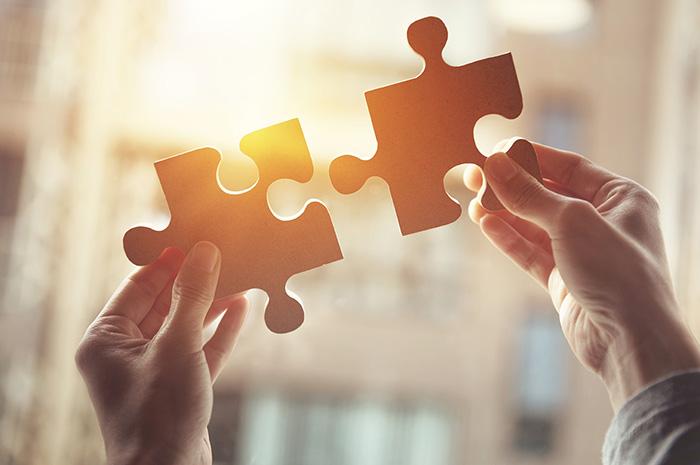 事業譲渡とは?事業譲渡の方法や流れをコンサルタントが解説
