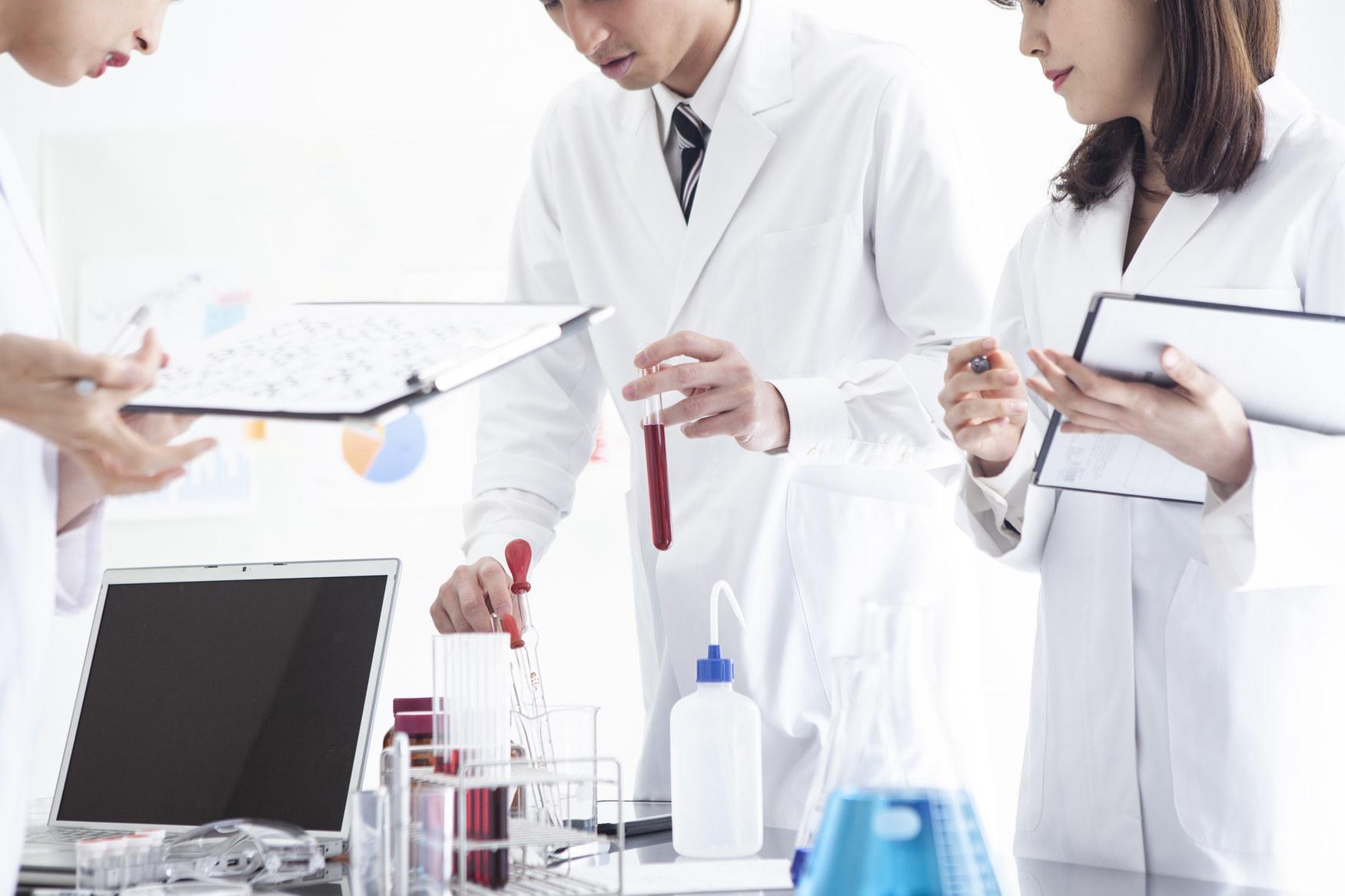 化粧品会社の開発研究室