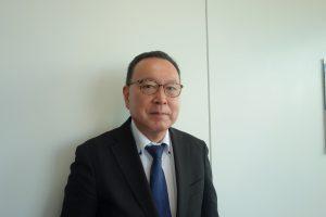 依知川さん