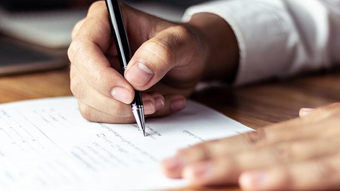 事業承継に関する契約を行うイメージ